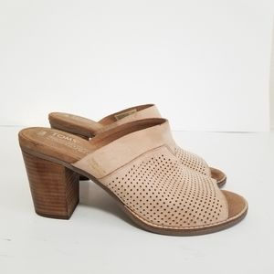 Tom's size 8.5 leather mules heels